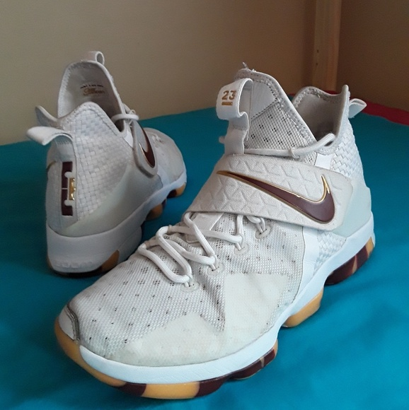 free shipping 04054 ce566 Nike Lebron 15 Off White Brown Size 11